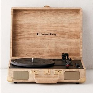 Crosley UO limited edition record player